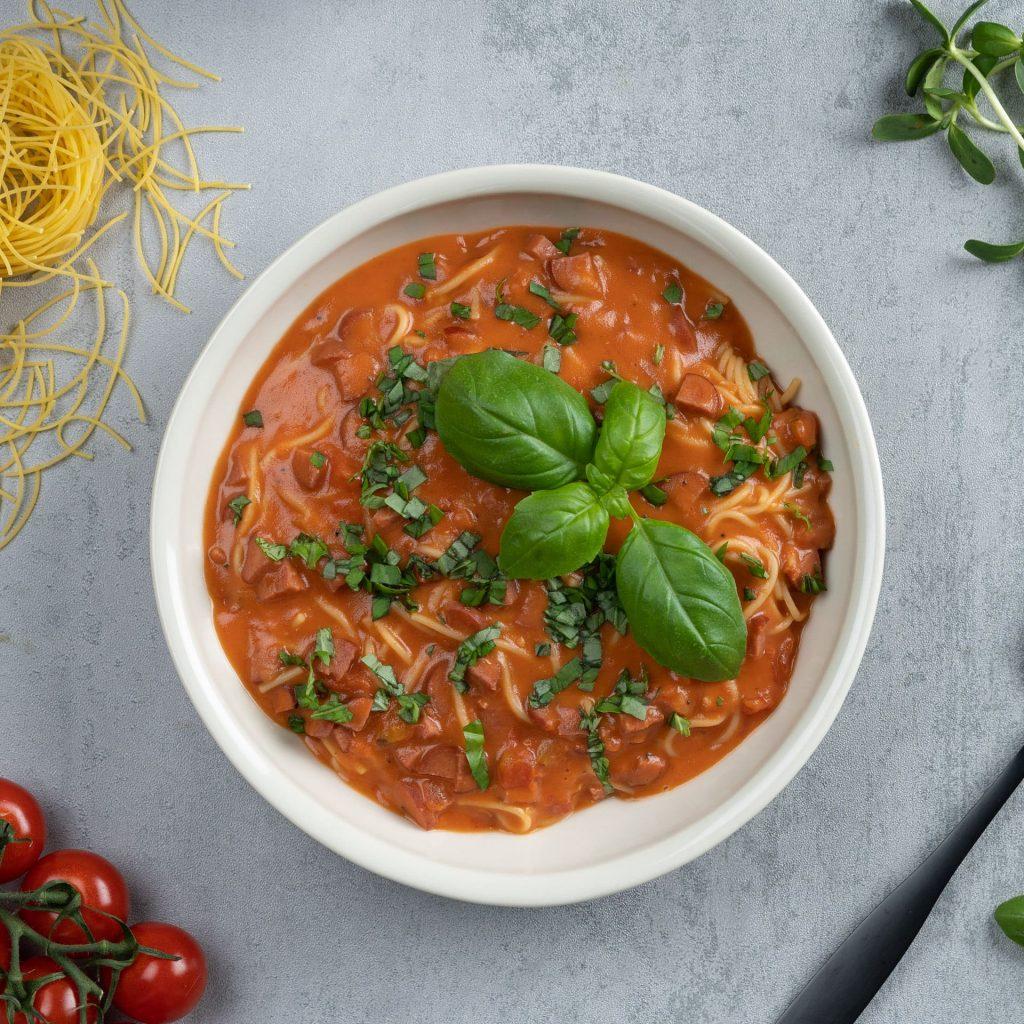 Tomatsoppa med fidelinipasta Recept