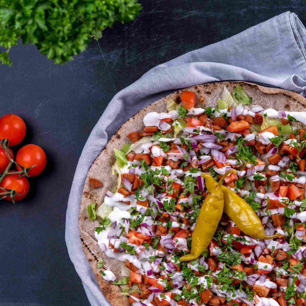 Chorizorulle med kebabsås Recept