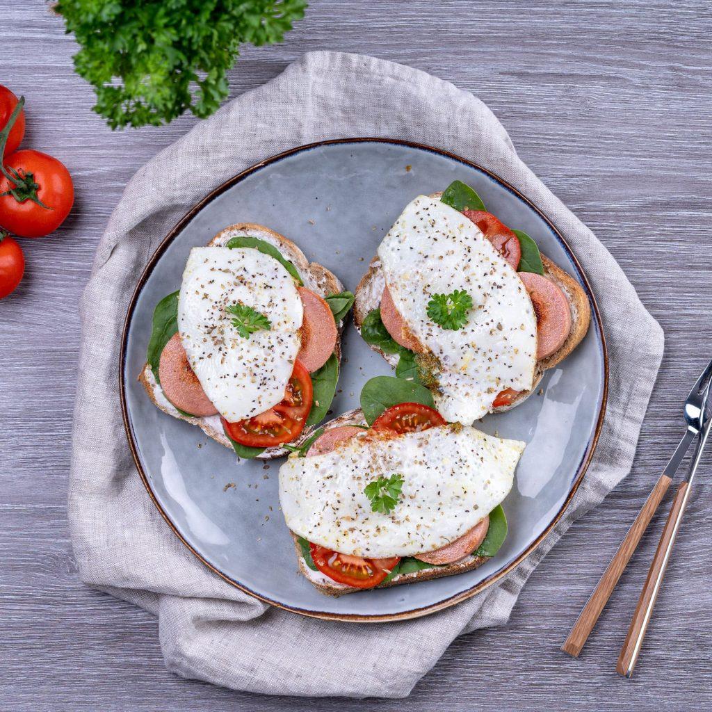 Korvmackor med ägg